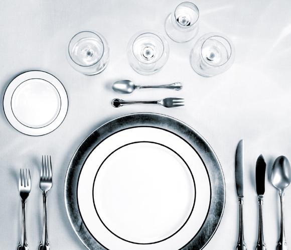 Diez preguntas sobre el protocolo en la mesa los for Colocacion de los cubiertos en una mesa